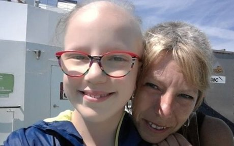 Mom and daughter, both battling cancer, find support from each other | CBC News