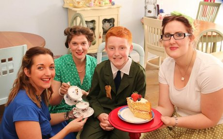 Town goes back in time for 1940s style fun, fashion and nostalgia