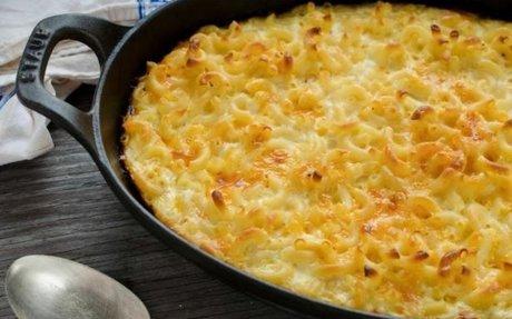 Classic Southern Macaroni and Cheese casserole