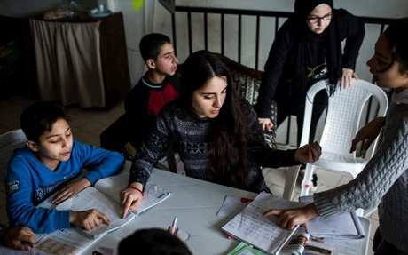Homework groups help Syrian pupils stay on top of studies