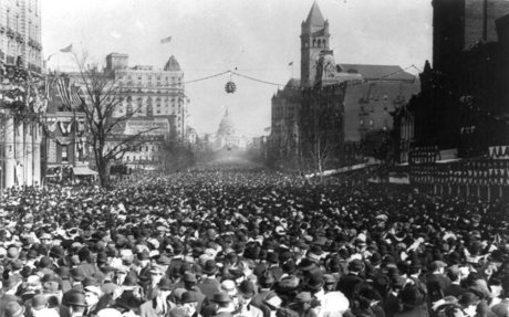 6. The 1913 Women's Suffrage Parade (organized by Alice Paul)