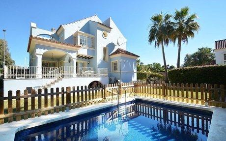 Nydelig villa med 4 soverom nær Puerto Banus (R2237483)