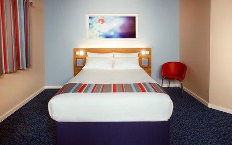 Travelodge   Heathrow Terminal 5 hotel - Heathrow Terminal 5 hotels