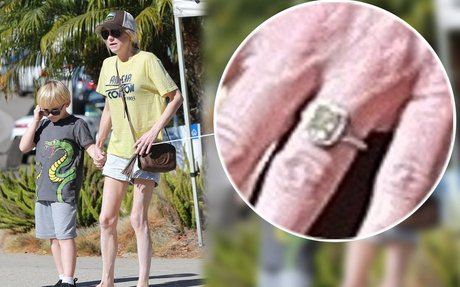 Shane Co. gives details on Anna Faris' yellow diamond engagement ring from Michael Barrett