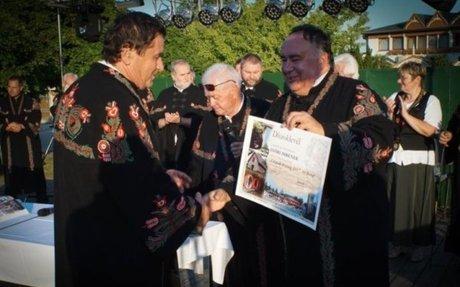 A fürtös vadmeggy nagy sikere a csopaki Pálinkafesztiválon