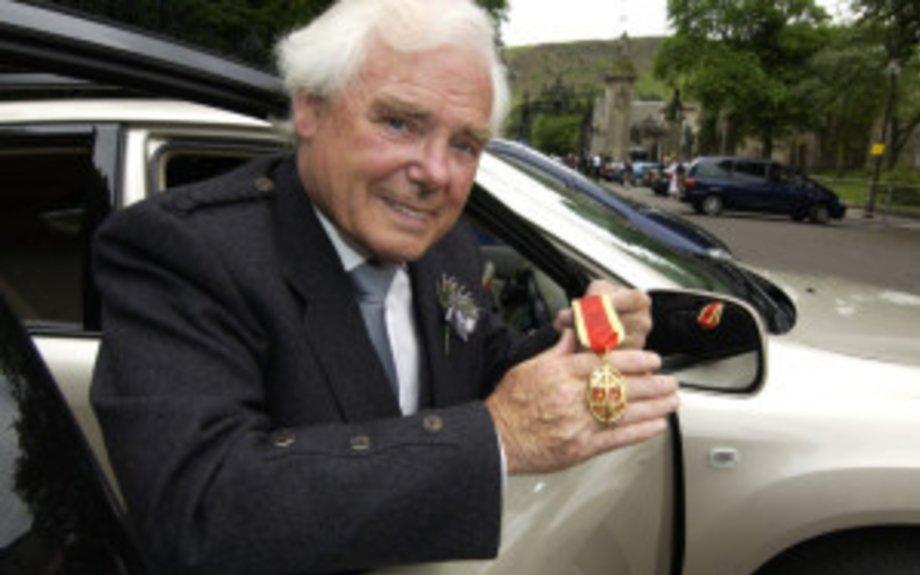 Sir Arnold Clark, billionaire car tycoon, dies aged 89