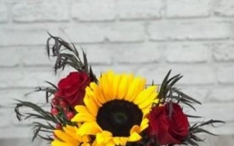 Flower Delivery San Marino - Quinceanera Directory