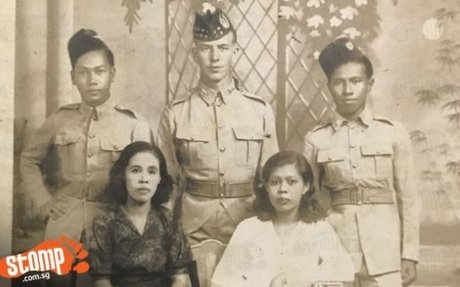 Picture of family in WWII