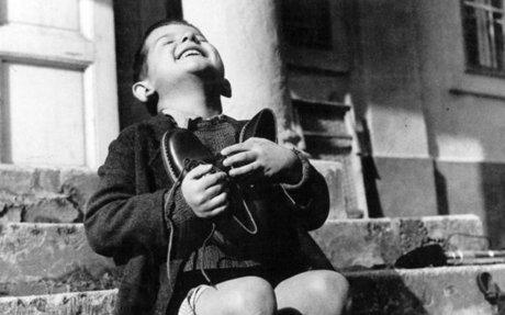 Gyerekekről készült 9 világhírű fotó története II. rész (1917-2015)