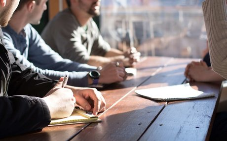 Top 5 Tips for Managing a Cross-Functional Team Project [Guest Post]