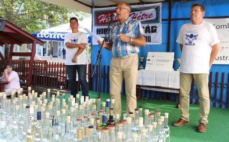 Rekordszámú mintát értékelt a zsűri a komlói pálinkamustrán – Komlói Újság Online