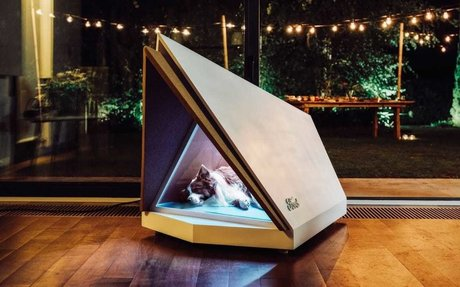BRAND HIGHLIGHTS // This noise-canceling dog house is perfect for pups who hate thunder