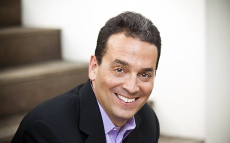 Daniel Pink | NYT and WSJ Bestselling Author of Drive