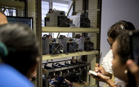 Families in Caracas Are Mining for Crypto on Free Electricity
