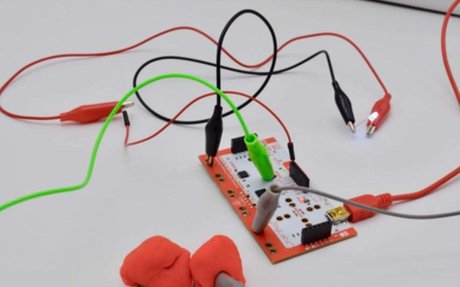 Simple Circuits Challenge With Makey Makey