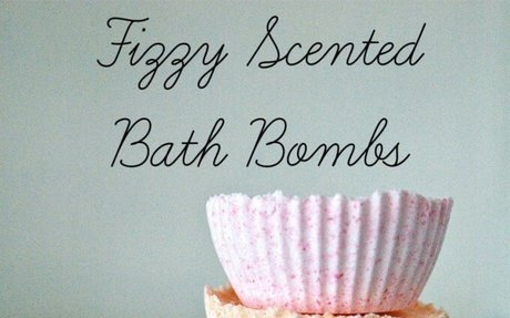 Fizzy Scented Bath Bombs for Mom