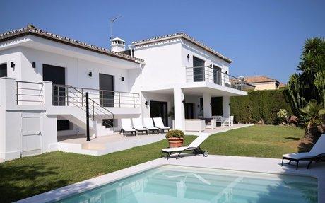 Villa Jenny – nyoppusset og romslig 6 roms villa til leie  Nueva Andalucia (RV61778)