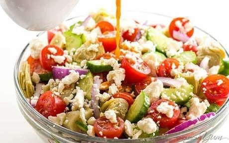 Salad w/ Tomato Vinaigrette