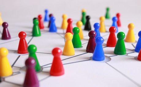 Webinar: How Employee Advocacy Blurs Internal/ External Communications #Communications