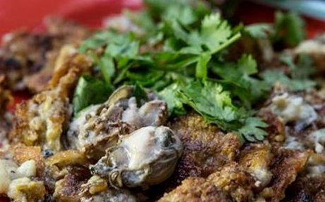 Simon Road Oyster Omelette review - ieatishootipost