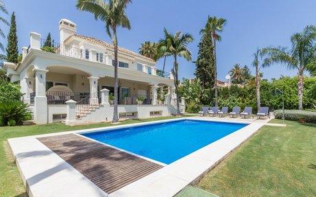 Villa Golf Paradise – se denne fantastiske golfvillaen til leie Las Brisas Golf (RV53089)