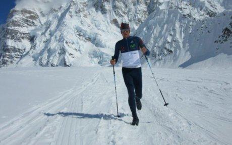 Montañista ecuatoriano bate récord mundial