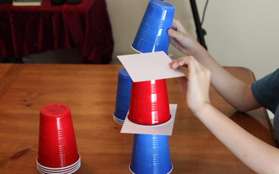 Free Falling 4th of July Tower Game