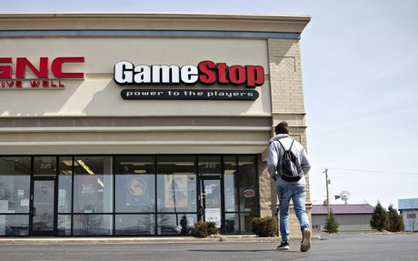GameStop Slumps 40% to 16-Year Low as Gaming Passes It By