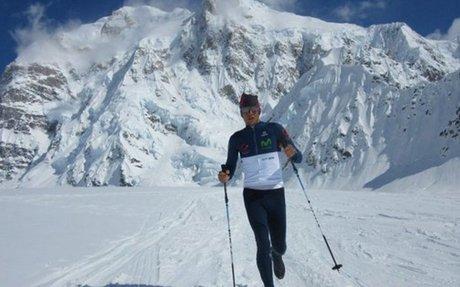 ¡Deportistas ecuatorianos siguen triunfando! Montañista Karl Egloff impone récord mundial