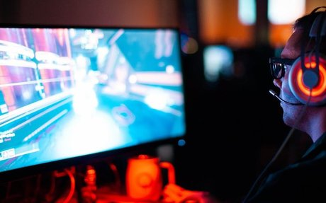 Scientists Say 1 Habit Separates Amateurs From eSports Pros