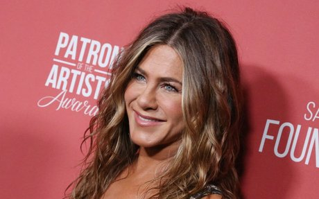 Celeb Esthetician Dishes Jennifer Aniston's Best Skincare Secrets