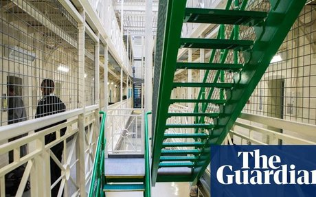 Magistrates call for end to prison sentences under eight weeks