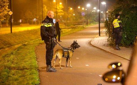 Steekpartij en woning omsingeld in Apeldoorn