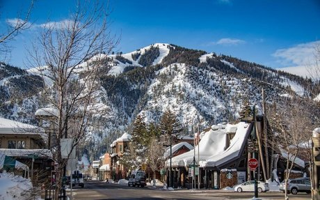 50 States of Bachelor and Bachelorette Parties features Hotel Ketchum