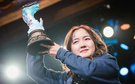 This Woman Made History With Her Esports Tournament Win
